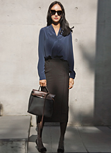 庄黑修身裙<font color=9A9A9A><br>黑标签<br>时尚的裙子。</font>