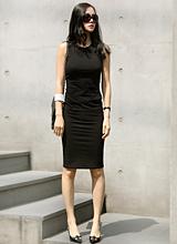 D&连衣裙<font color=9A9A9A><br>扮靓模型张允珠<br></font>