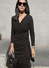 唐娜魅力黑连衣裙