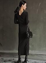 V和背部 - 修身长款连衣裙